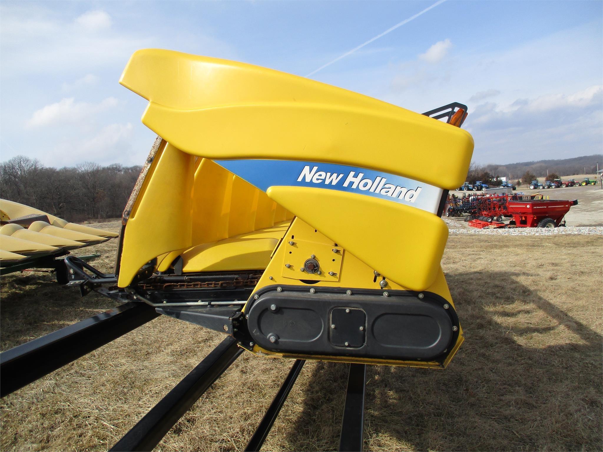 2011 New Holland 98D Corn Head