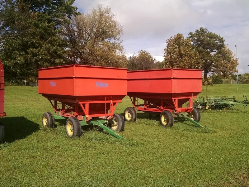 John Deere 720 Gravity Wagons for Sale | Machinery Pete