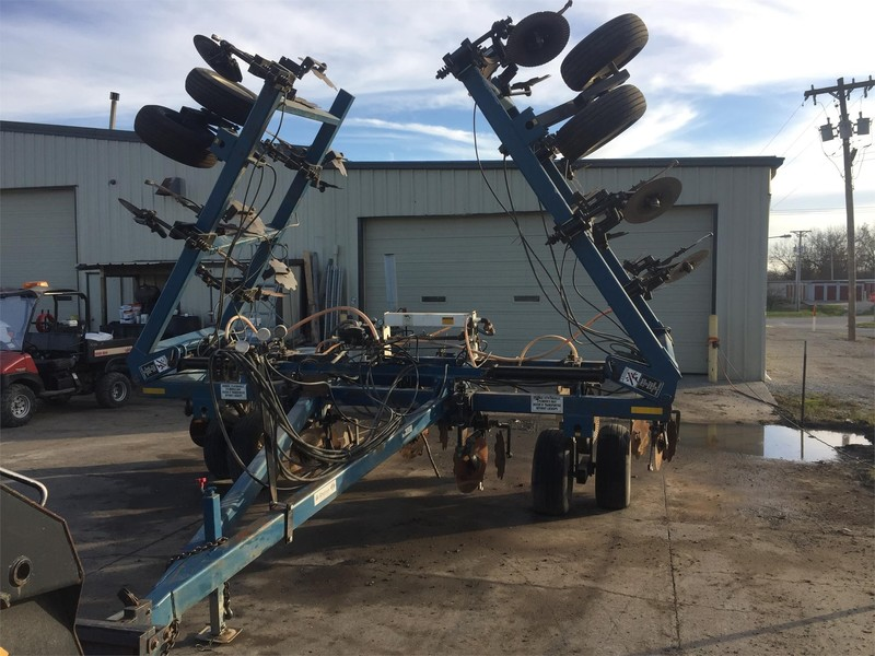 2008 Dalton Ag Products DW6035 Toolbar