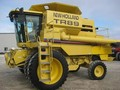 2000 New Holland TR89 Combine