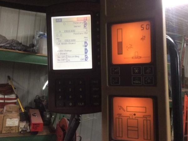 2005 John Deere 9560 STS Combine