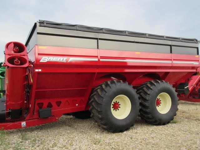 2022 Brent 1596 Grain Cart