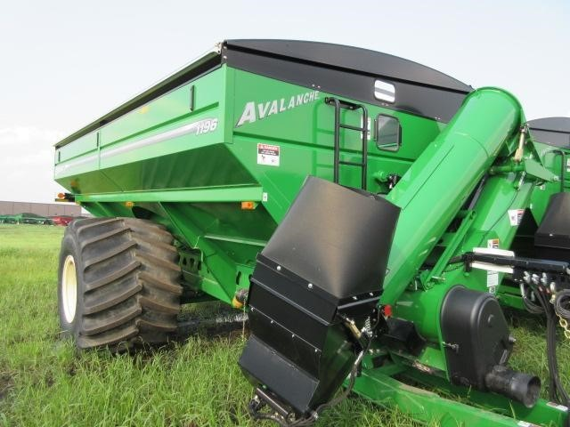 2021 Brent 1196 Grain Cart