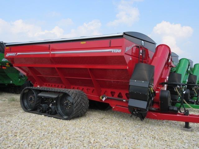 2022 Brent 1196 Grain Cart