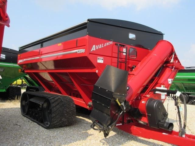 2021 Brent 1396 Grain Cart