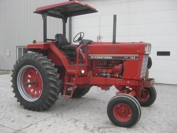 1981 International 786 Tractor