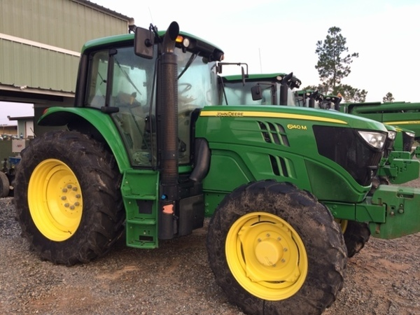 2014 John Deere 6140M Tractor