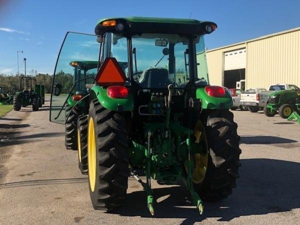 2010 John Deere 5075M Tractor