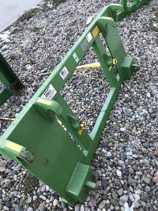 MDS 12502 Loader and Skid Steer Attachment