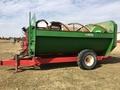 2011 6610 560 Feed Wagon