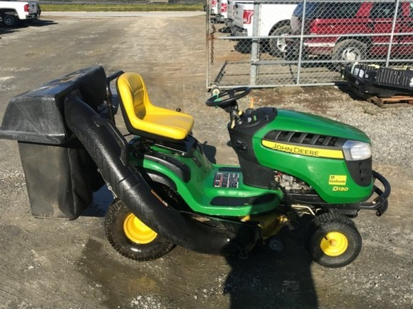 John Deere D130 Lawn and Garden for Sale | Machinery Pete