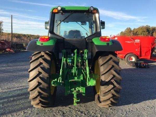 2018 John Deere 6110M Tractor