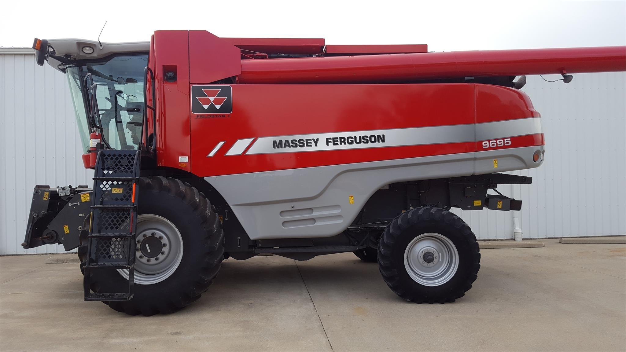 2011 Massey Ferguson 9695 Combine