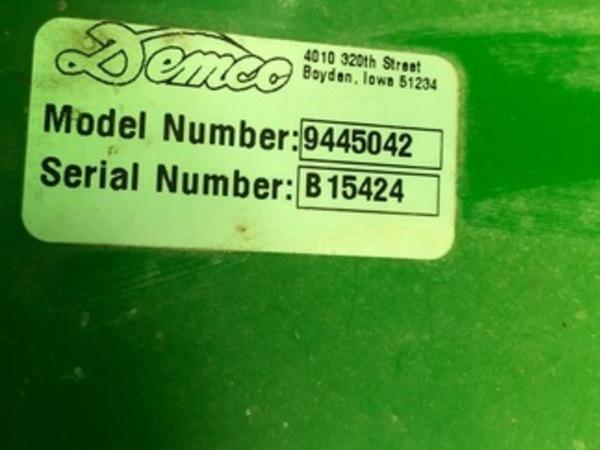 2012 Demco 650 Grain Cart