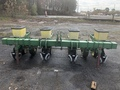 2000 John Deere 7100 Planter