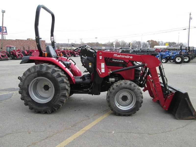 2016 Mahindra 2538 HST Tractor