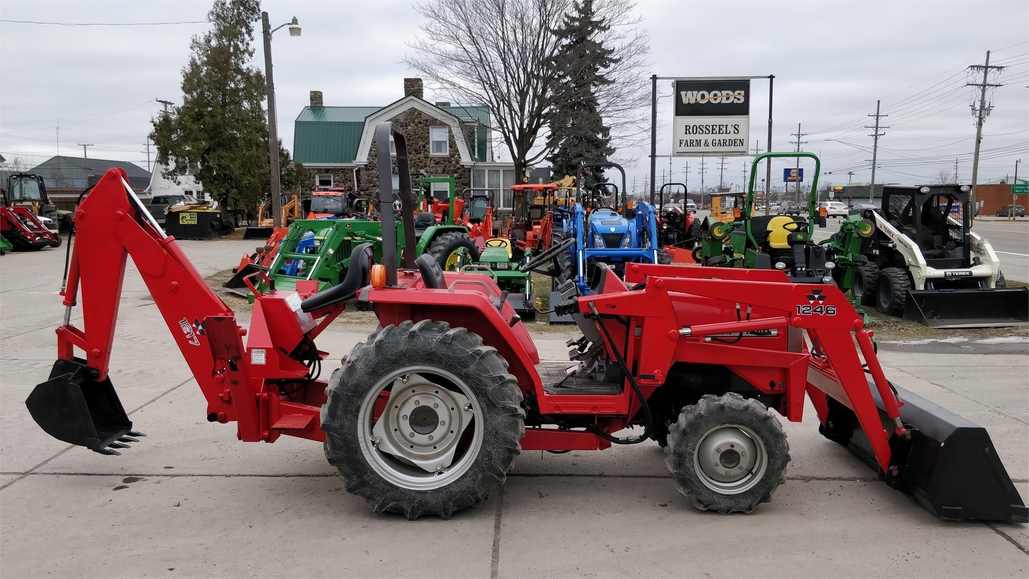 1998 Massey Ferguson 1240 Tractor - Chesterfield, Michigan | Machinery Pete