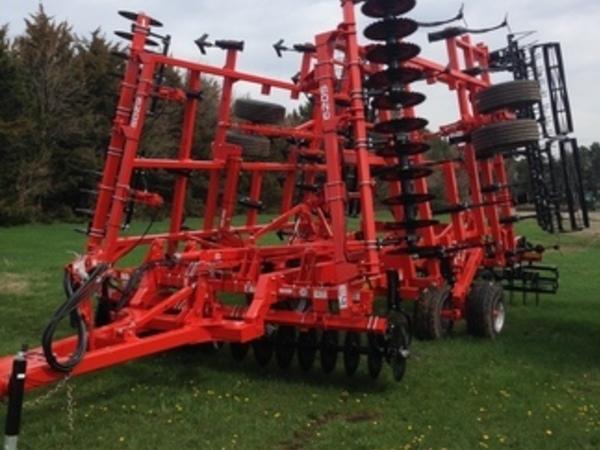 2018 Krause 6205-31 Soil Finisher