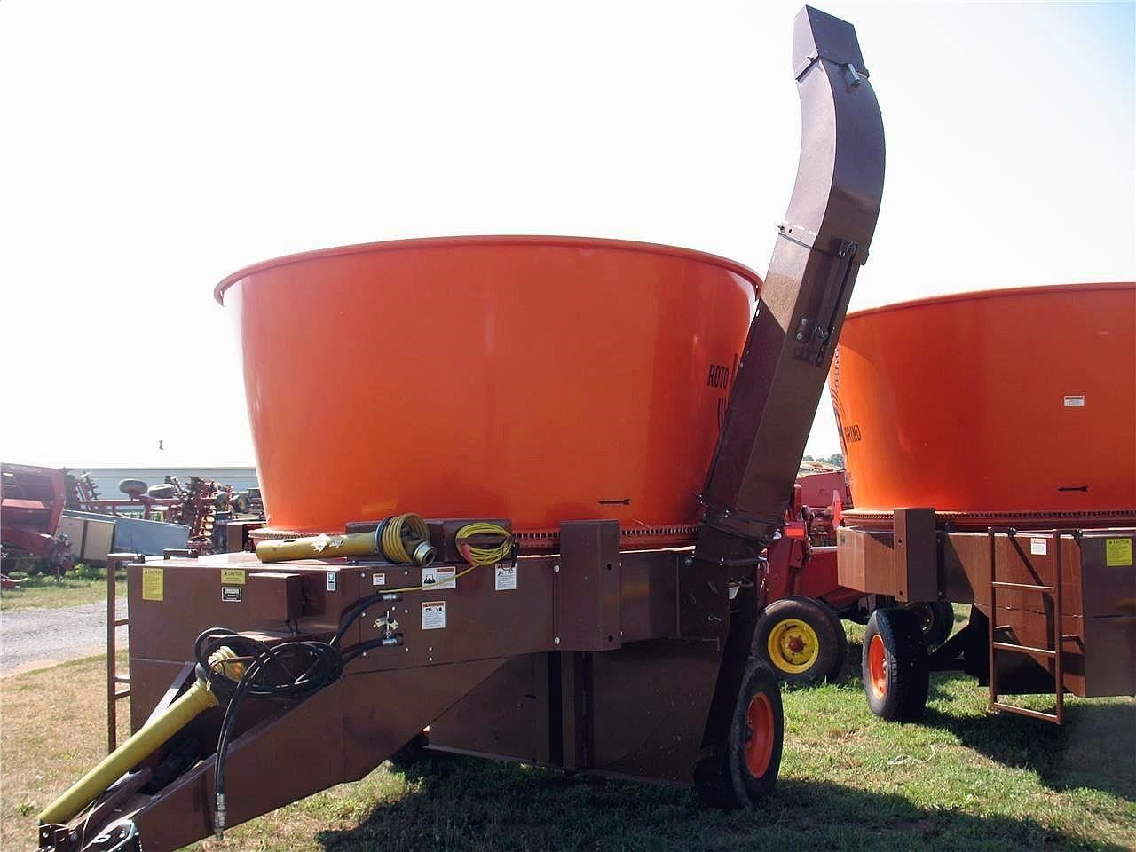 2021 Roto Grind 1090 Grinders and Mixer
