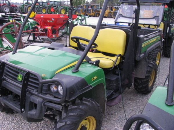 2016 John Deere Gator XUV 625I ATVs and Utility Vehicle