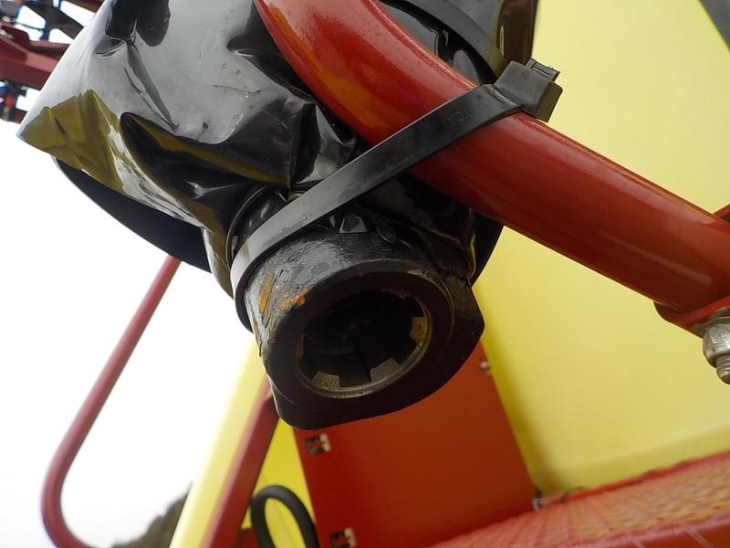 2018 Hardi Navigator 3500 Pull-Type Sprayer