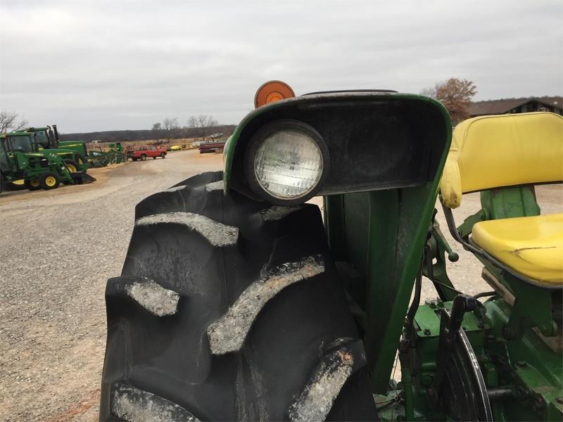 1977 John Deere 2640 Tractor