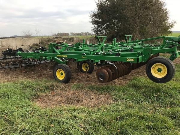 2015 John Deere 2310 39' Soil Finisher