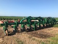 2015 Great Plains LC40 Cultivator