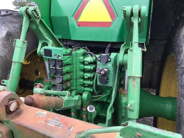 2002 John Deere 8420 Tractor