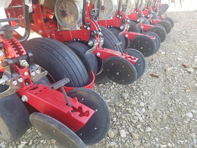 2014 Massey Ferguson 9222 Planter