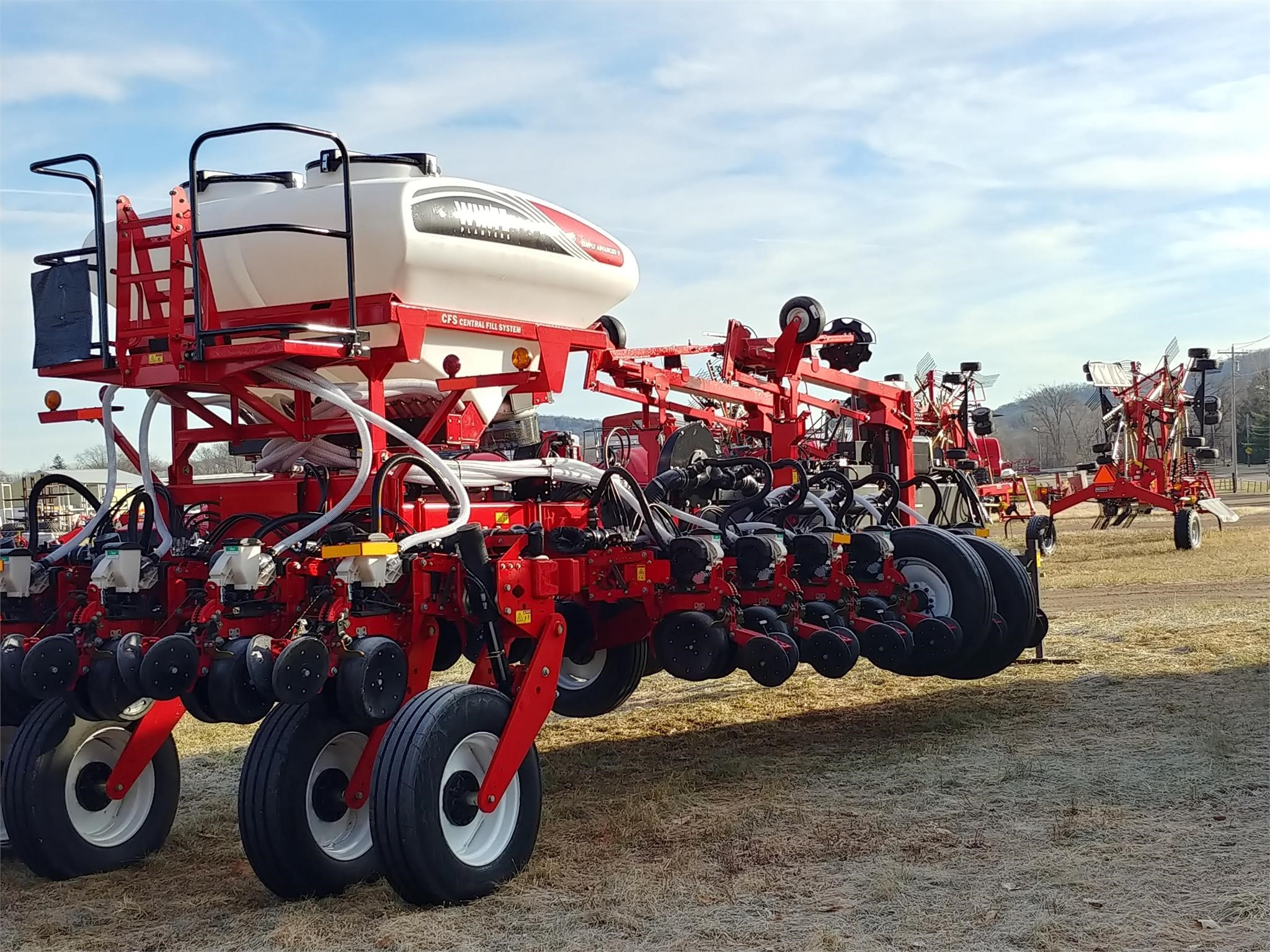 2019 White 9816VE Planter