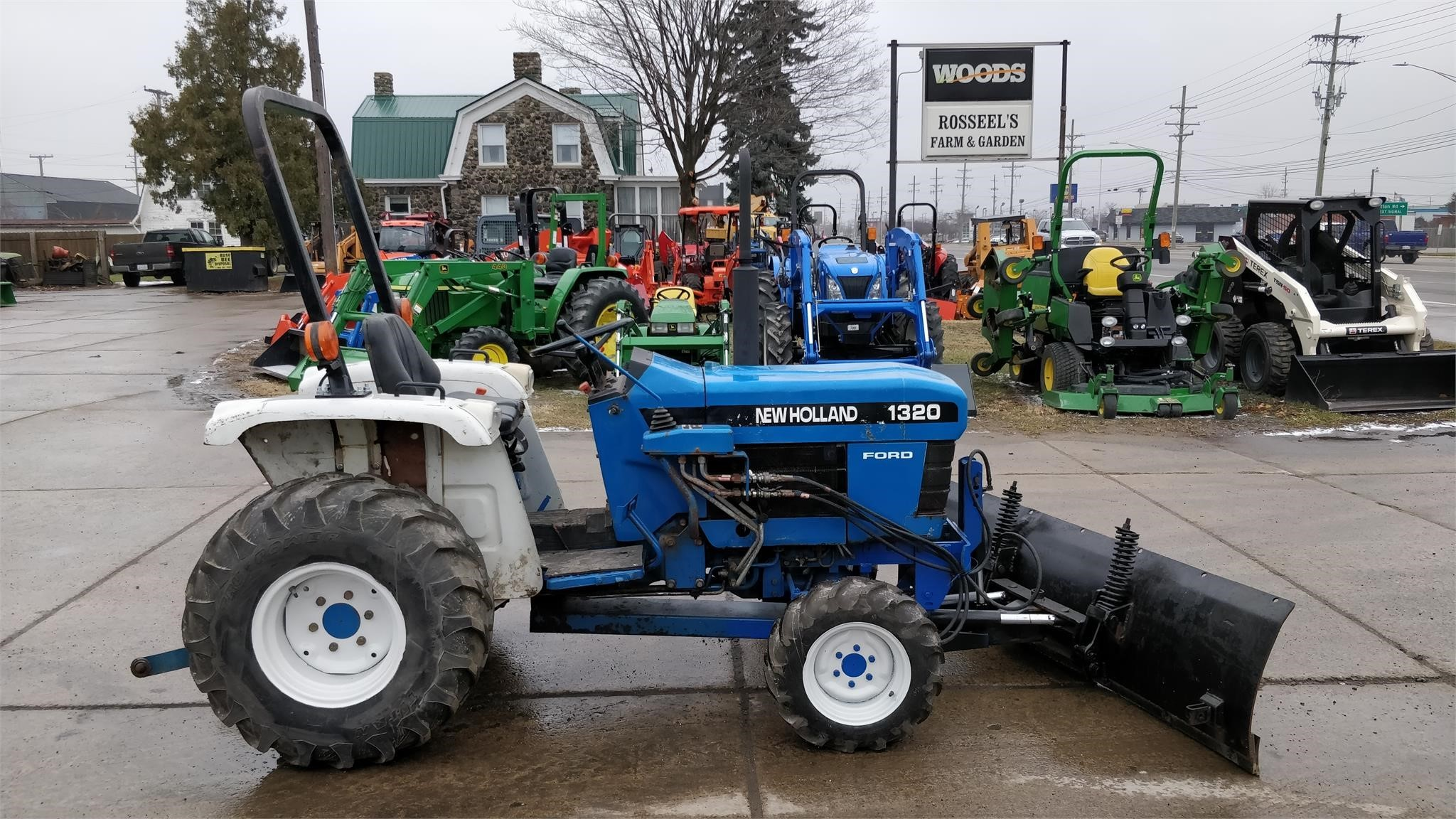 New Holland Ford >> New Holland 1320 Tractor