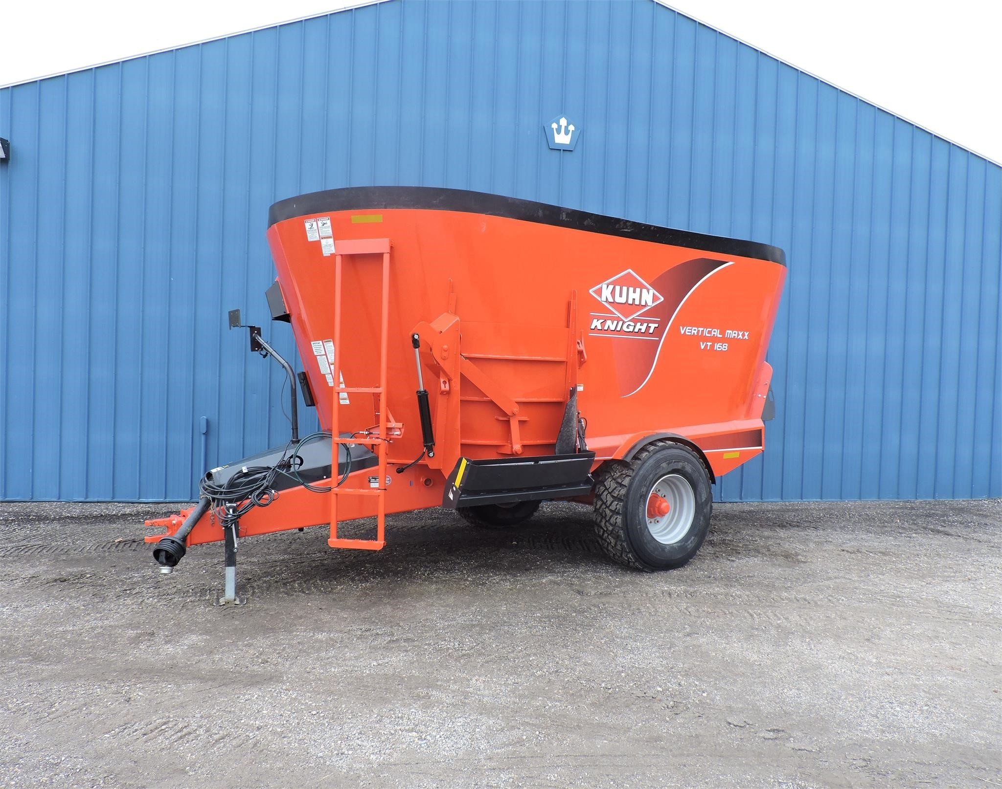 Kuhn Knight VT168 Grinders and Mixer