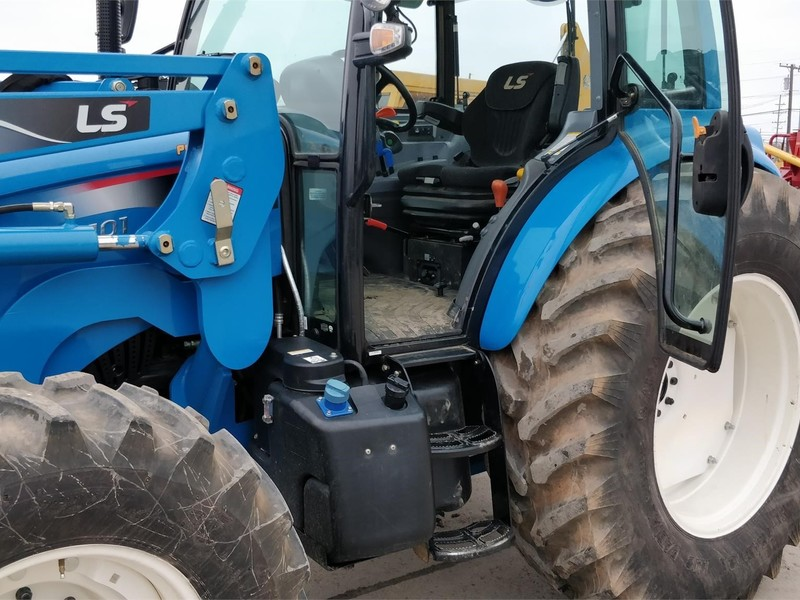 2018 LS XP8101CPS Tractor