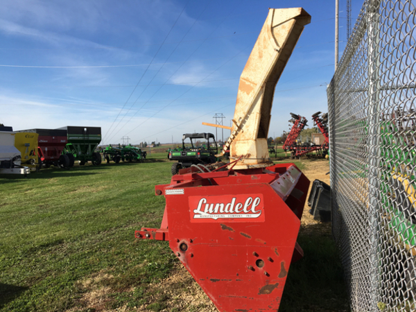 Lundell 8 Snow Blower
