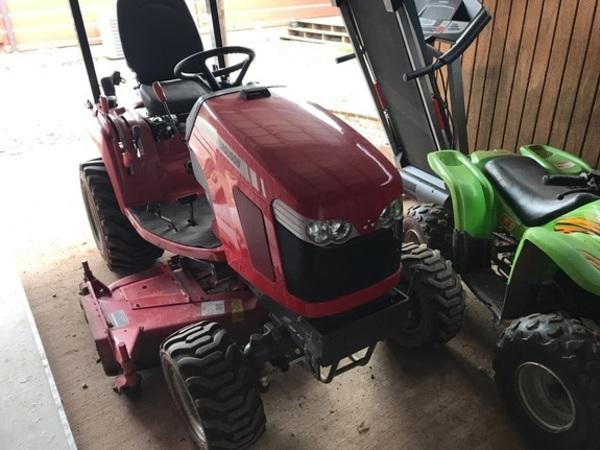 2015 Massey Ferguson GC1705 Tractor