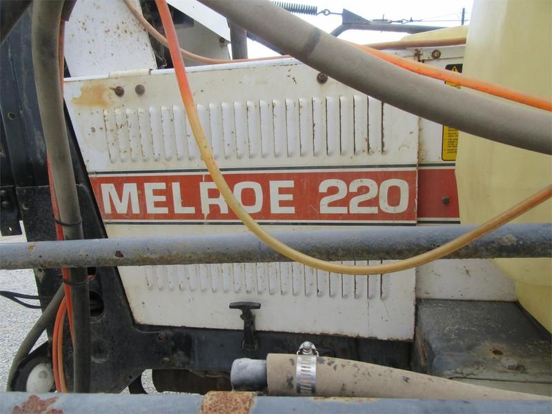 1990 Melroe 220 Self-Propelled Sprayer