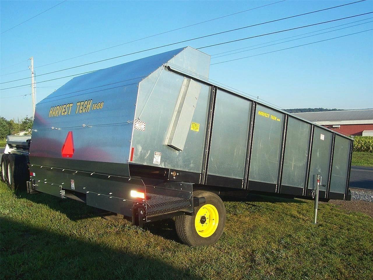 2020 Harvest Tech 1611 Feed Wagon