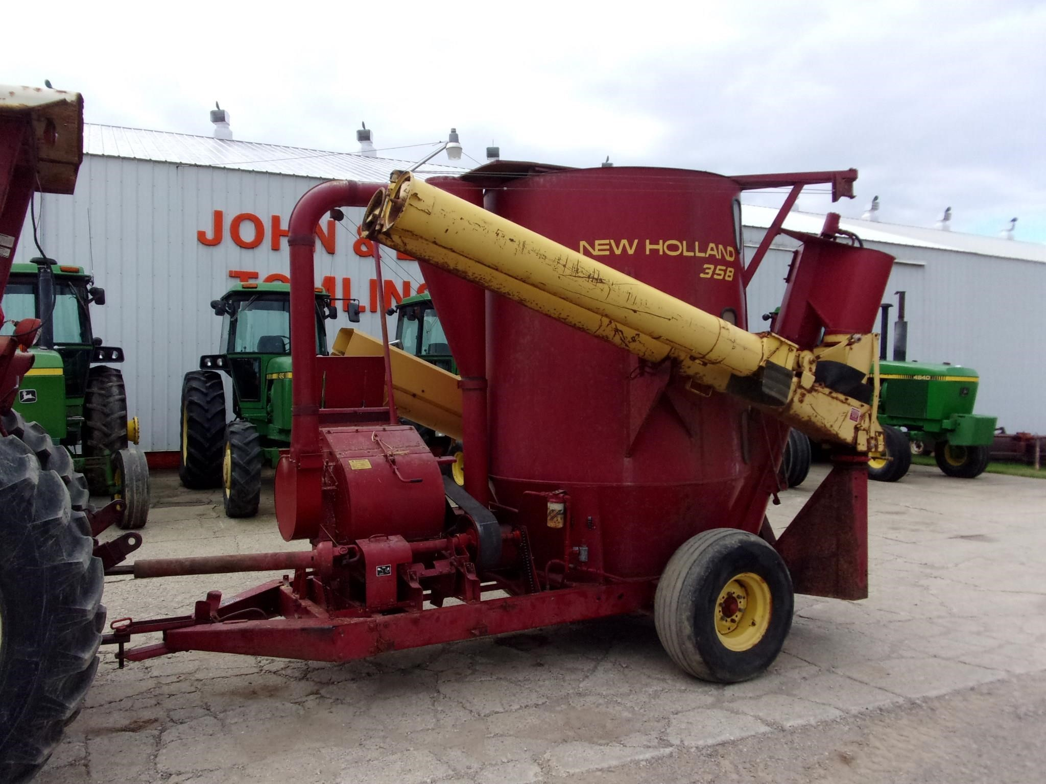 New Holland 358 Grinders and Mixer