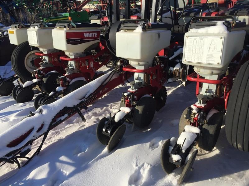White 8200 Planter