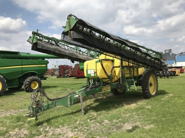 2009 Summers Manufacturing 110 Pull-Type Sprayer