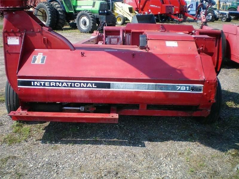 International 781 Pull-Type Forage Harvester