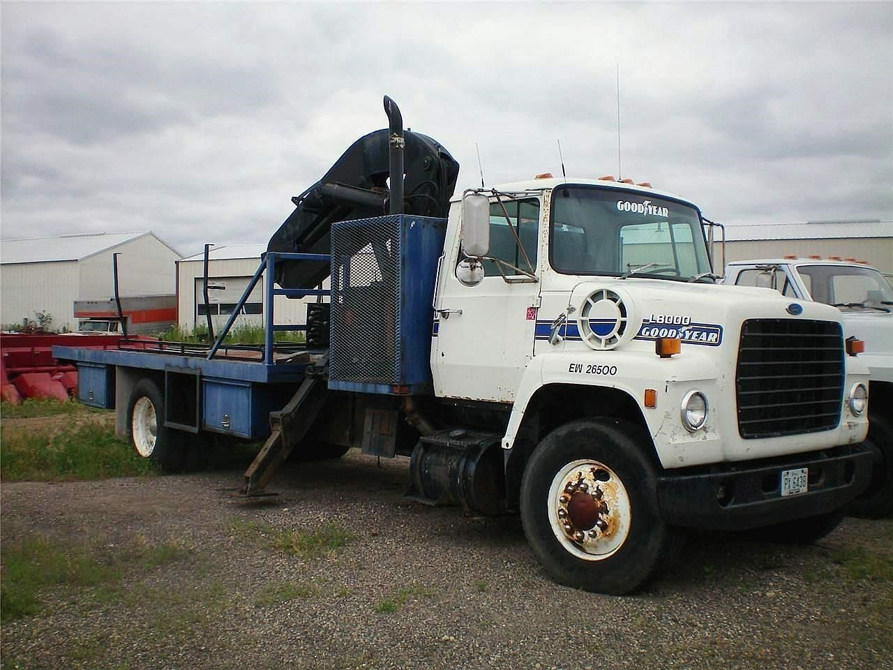 1987 Ford 8000 Tractor