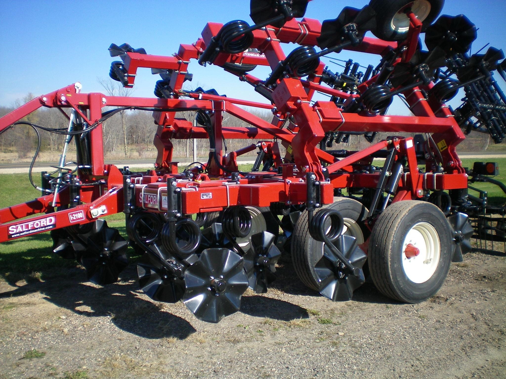 Salford Independent I-2100 Vertical Tillage