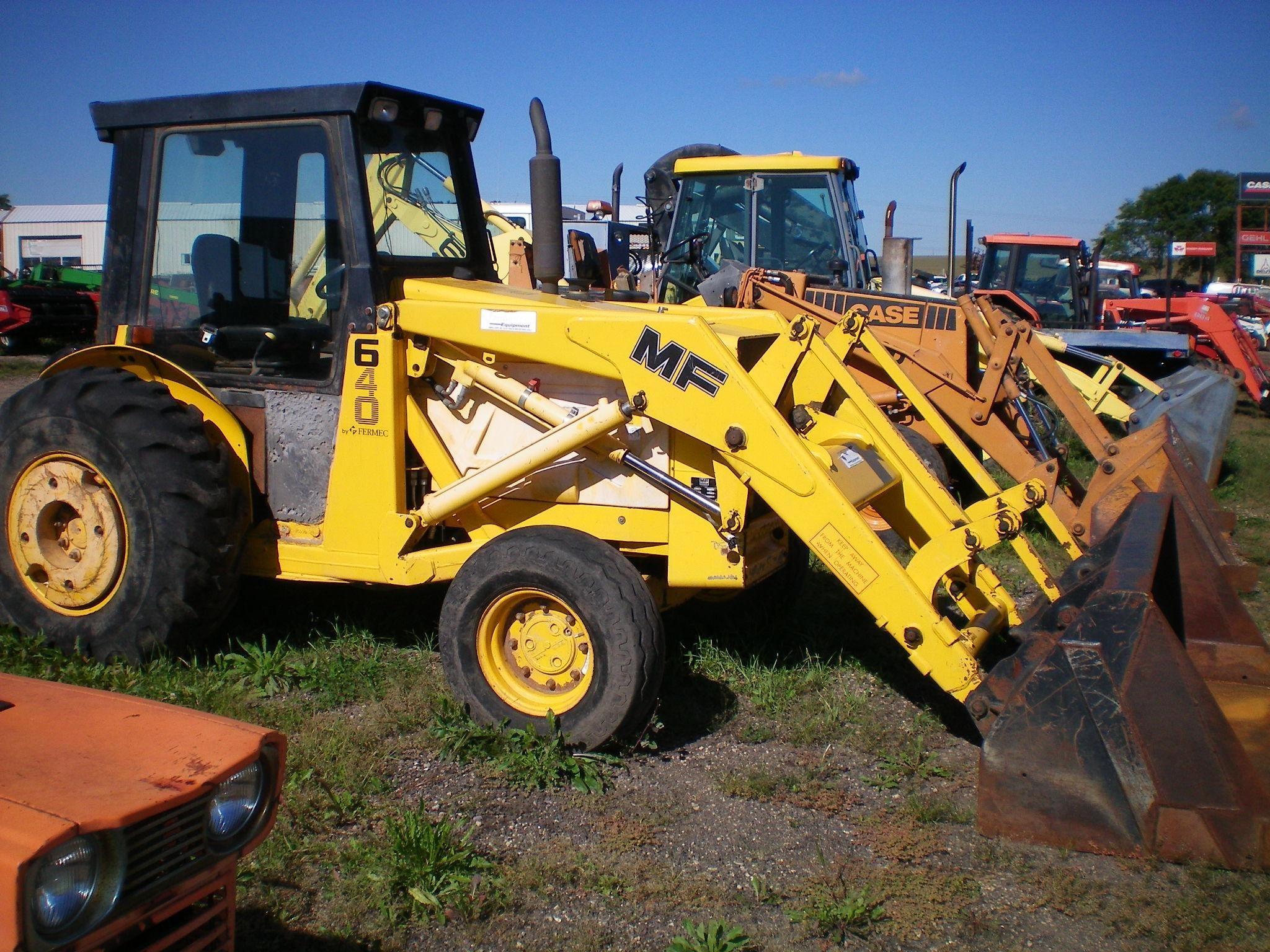 1996 Massey Ferguson 640 Tractor