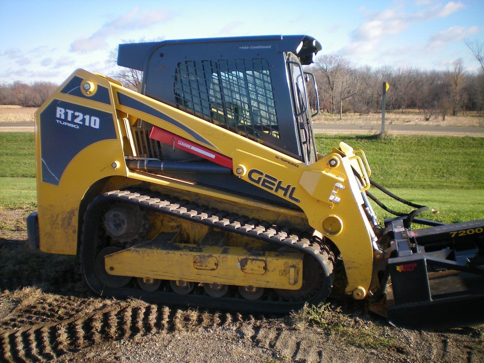 2012 Gehl RT210 Skid Steer