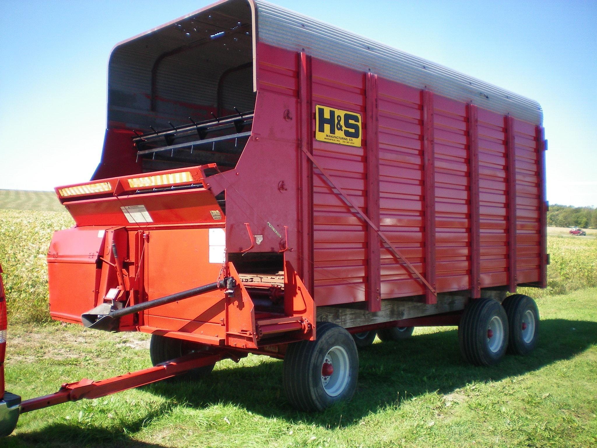 H & S 500 Forage Wagon