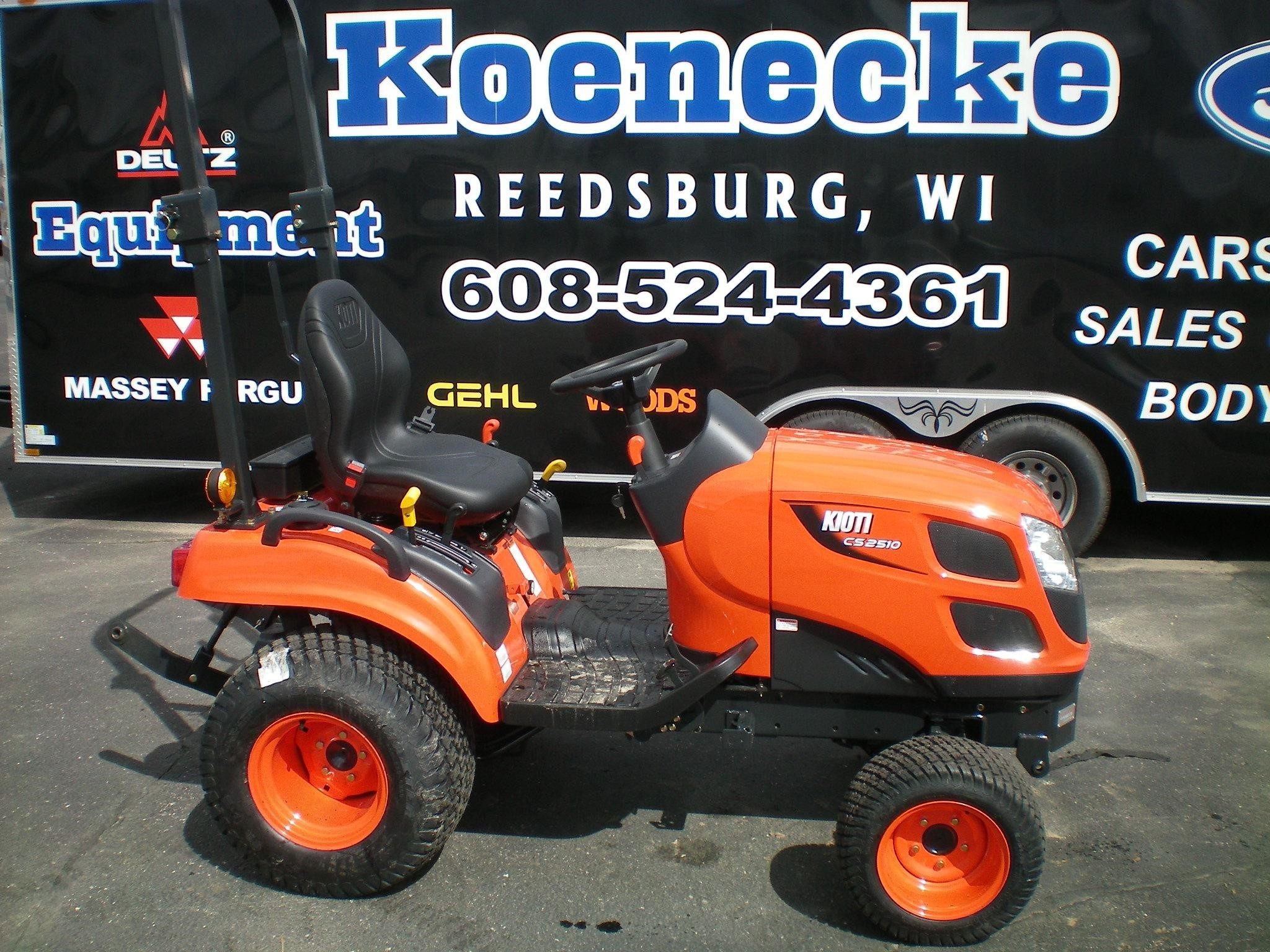 Kioti CS2510 Tractor
