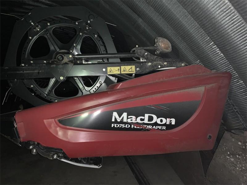 2017 MacDon FD75 Platform