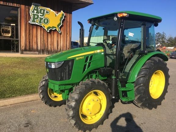 2021 John Deere 5075E Tractor